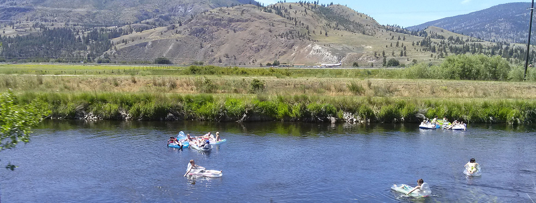 EasyGo Holidays is an RV vacation rental business in the Okanagan where we set everything up in a location of your choice.